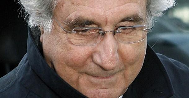 Objetos del estafador Bernard Madoff en Museo del Crimen en Washington