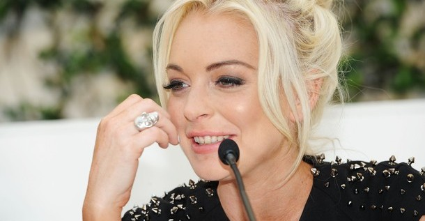 Lindsay Lohan fue arrestada por pegarle a una mujer