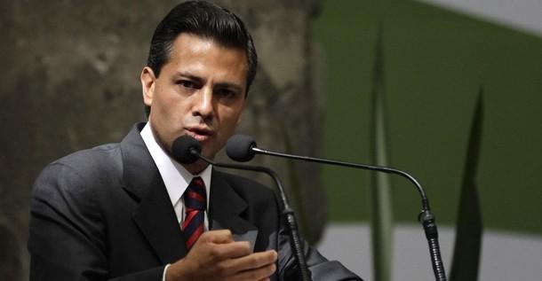 """""""Es hora de romper con el pasado"""", afirma Peña Nieto a la cúpula del PRI"""