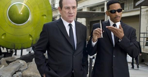 """""""Men in Black 3″ arrebata el número uno en la taquilla a """"The Avengers"""""""