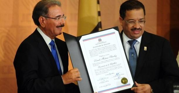 Nuevo presidente dominicano dice que está listo para gobernar en adversidad