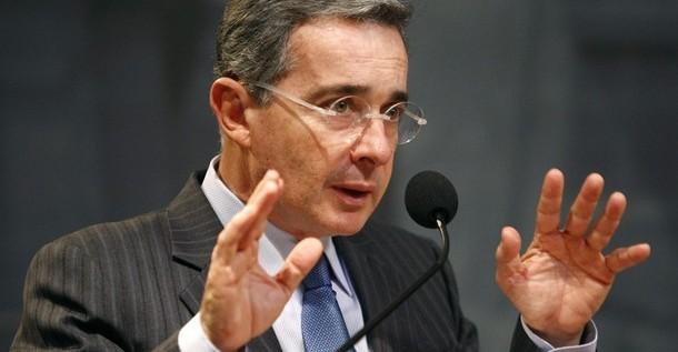 Uribe regresa a la política y plantea oposición al Gobierno de Santos