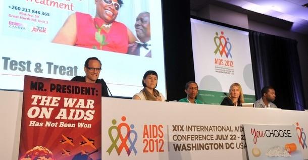 Mejor arma contra el VIH es saber si estás infectado o no, según portadores