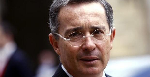 Uribe considera extraña la captura de capo a días de elecciones en Venezuela