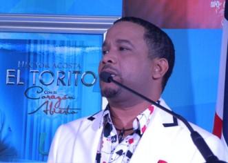 """Desbordante recibimiento en santiago a Hector Acosta """"El Torito"""", """"Con El Corazón Abierto"""""""