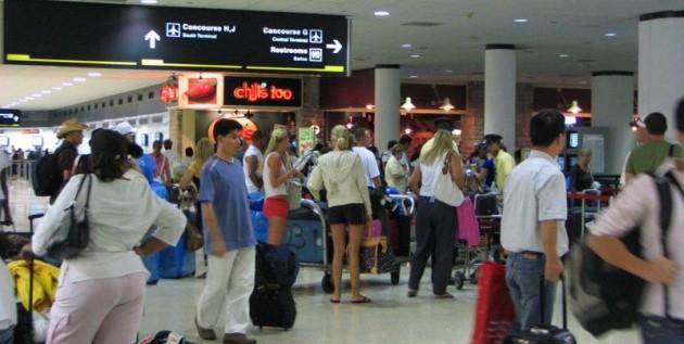 Los aeropuertos de Miami esperan tres millones de pasajeros en estas fiestas