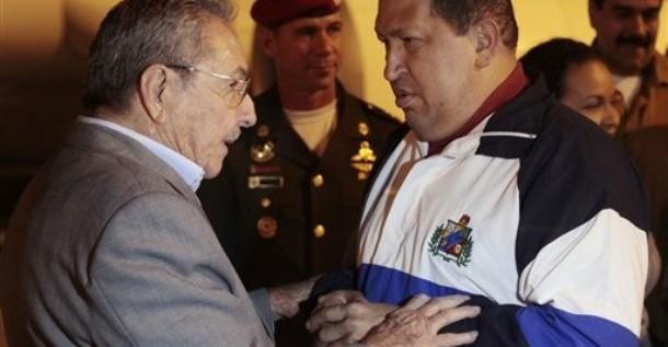 Raúl Castro expresa a Maduro la solidaridad de Cuba con Chávez y Venezuela