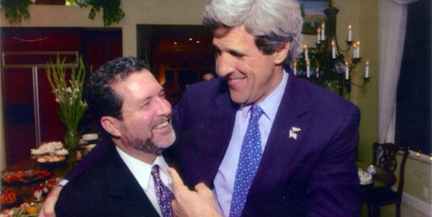 José Zaiter, un domincano cerca de John Kerry