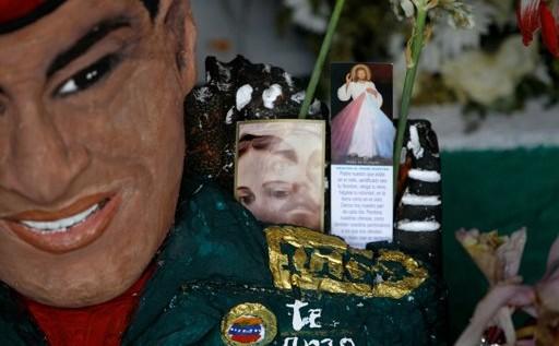 """Hugo Chávez ya es """"santo"""" en una capilla"""
