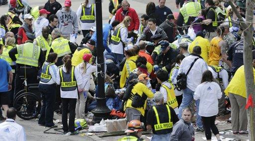 Explosiones en maratón de Boston dejan 2 muertos