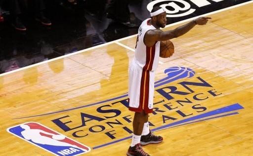 LeBron James se viste de villano en la derrota del Heat ante Pacers