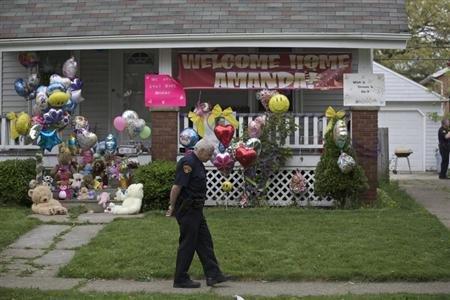 Las víctimas de Cleveland soportaron violaciones, golpes y aislamiento