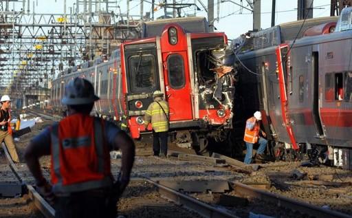 Colisión de trenes deja 60 heridos en EEUU