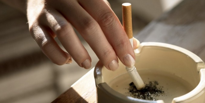 Fumar aumenta el riesgo de cometer suicidio