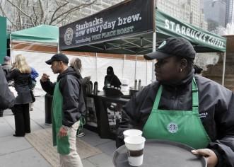 Café gratis en los Starbucks de EEUU a consecuencia de problema informático