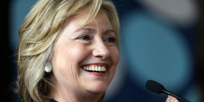 Hillary Clinton hace campaña por demócratas