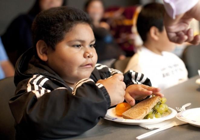La lucha contra la obesidad y la desnutrición, un reto pendiente en O.Medio