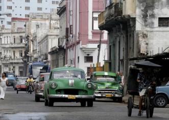Cuba estaría interesada en un cable submarino de internet desde Miami