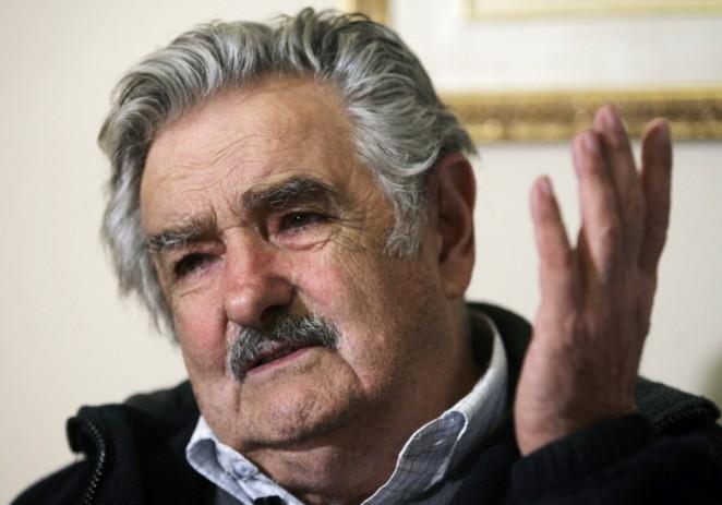 """""""Pepe"""" Mujica agradece a su """"querido pueblo"""" uruguayo por no dejarlo solo"""