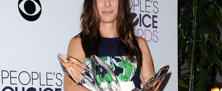 Sandra Bullock arrasa con 4 premios People's Choice