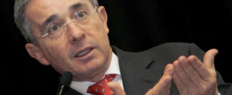 """Ex presidente Uribe rechaza """"paz sin seguridad"""" para Colombia"""