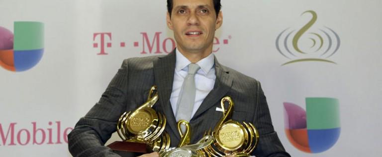 Marc Anthony se lleva la noche de Premio Lo Nuestro