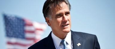 Romney critica a Hillary Clinton en nuevo discurso en EEUU