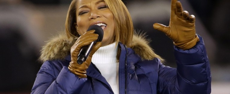 Latifah, Fleming se lucen en el Super Bowl