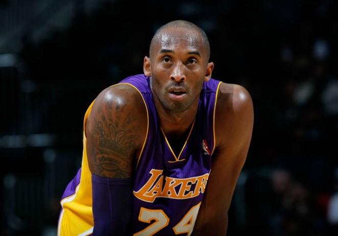 Kobe Bryant supera a Jordan y se convierte en el tercer máximo anotador histórico
