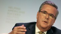Jeb Bush dice respetar fallo sobre matrimonio gay en Florida