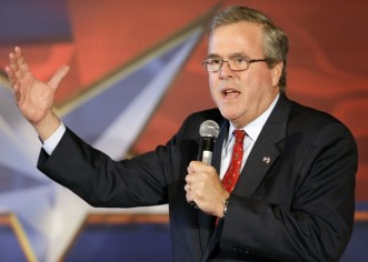 Jeb Bush calienta ambiente electoral con vistas al 2016