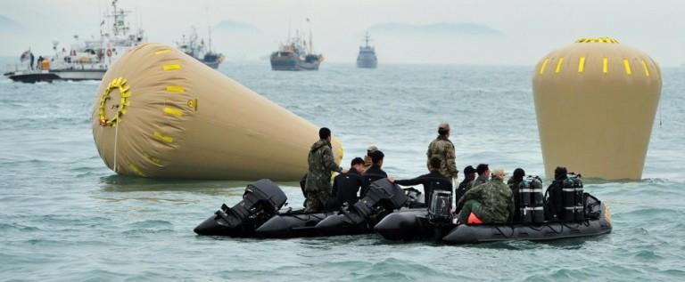 Saldo de fallecidos en ferry hundido llega a 150