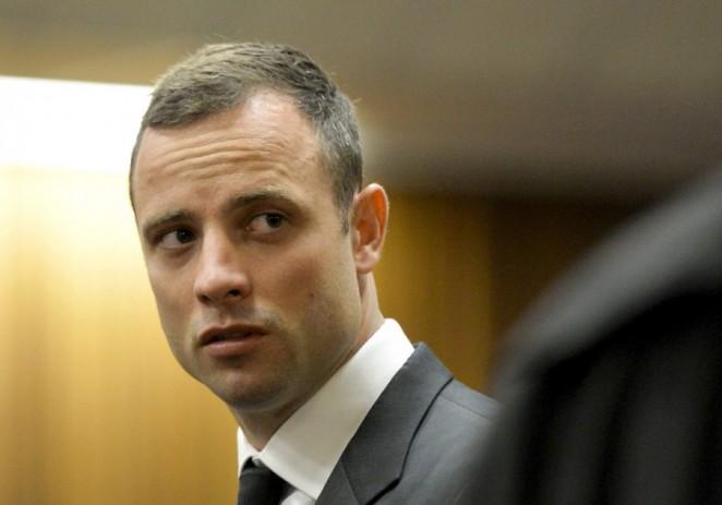 Ordenan a Pistorius someterse a pruebas mentales