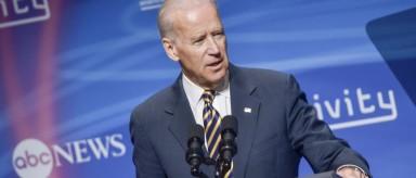 Joe Biden dice que depende de su familia si se presenta a la presidencia