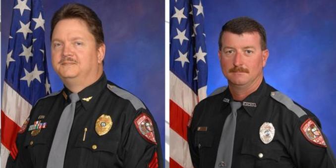 Dos policías de Florida vinculados con el KKK