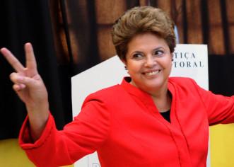 Rousseff amplía ventaja sobre opositora Silva en nuevos sondeos