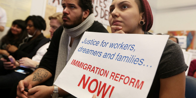 Florida: Migrantes deben asesorarse sobre reforma