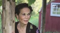 Obama honra a escritora dominicana Julia Álvarez