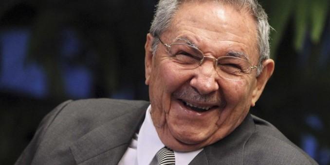 Raúl Castro condena el intento de EEUU de imponer sanciones a Venezuela