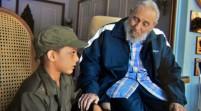 Fidel Castro abre su hogar a niño cubano y lo convierte en celebridad