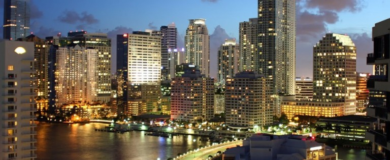 Miami en vías de ser un centro comercial, industrial y de inversiones