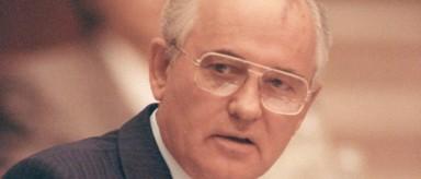 Gorbachov acusa a EE. UU. de haber arrastrado a Rusia una nueva guerra fría