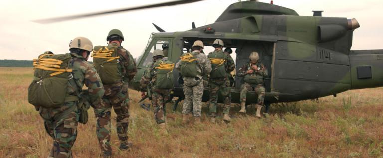 La Guardia Nacional inicia el despliegue en la frontera de Texas con México