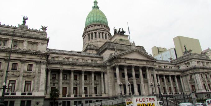 La Argentina baja en el ranking de países que atraen inversiones