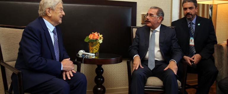 Danilo Medina Sánchez recibe al Húngaro-Estadounidense financista George Soros