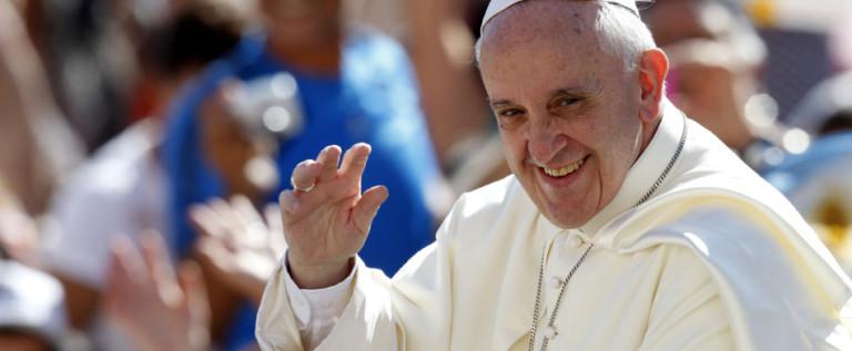 Papa pide a nuevos cardenales celebrar con sencillez