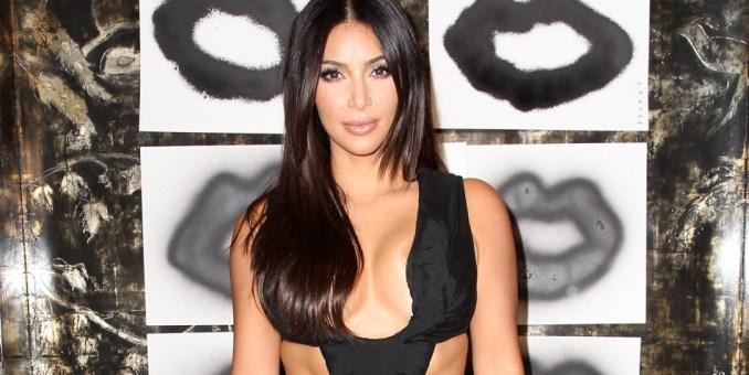Kim Kardashian posa al natural