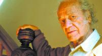 """Chile celebra los 100 años del natalicio de Nicanor Parra, el """"antipoeta"""""""