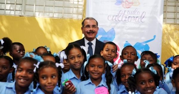 Presidente Dominicano Visita Provincias Peravia Y San Cristóbal
