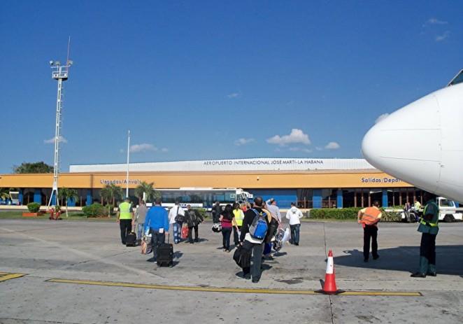 Cuba restringe bienes en equipaje de viajeros